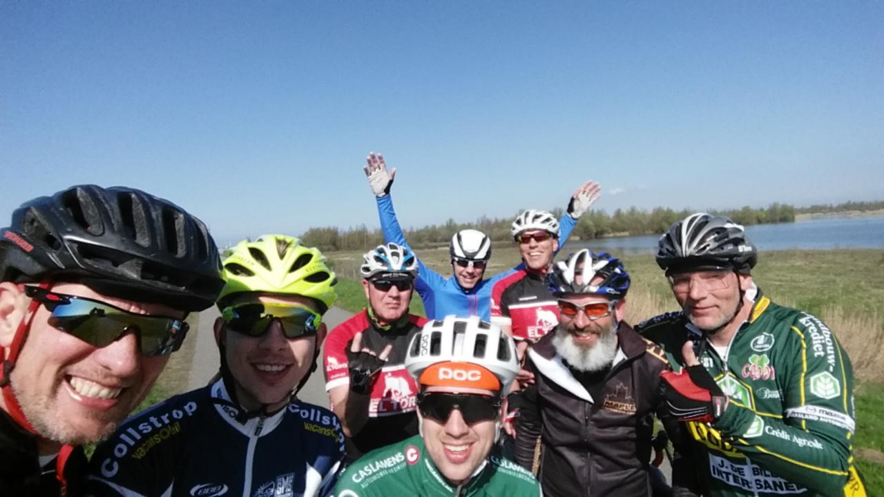 Photo of 2 April, El Toro Cycling club fietst rondje Zeelandbrug.